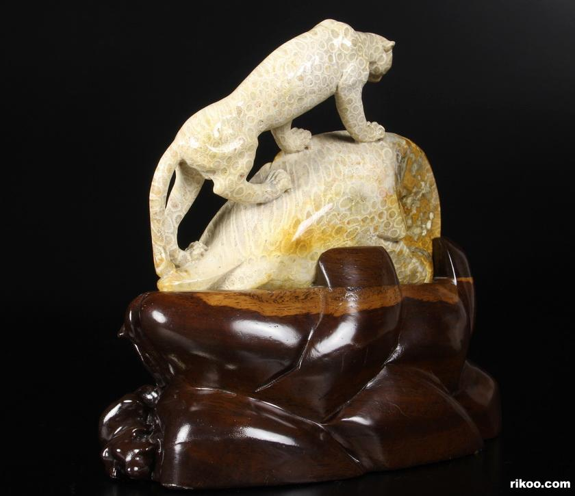 Coral Fossil Crystal Leopard Sculpture