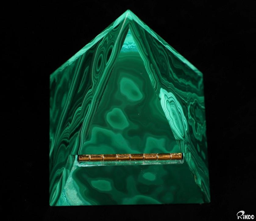 Malachite Crystal Jewelry Pyramid Box